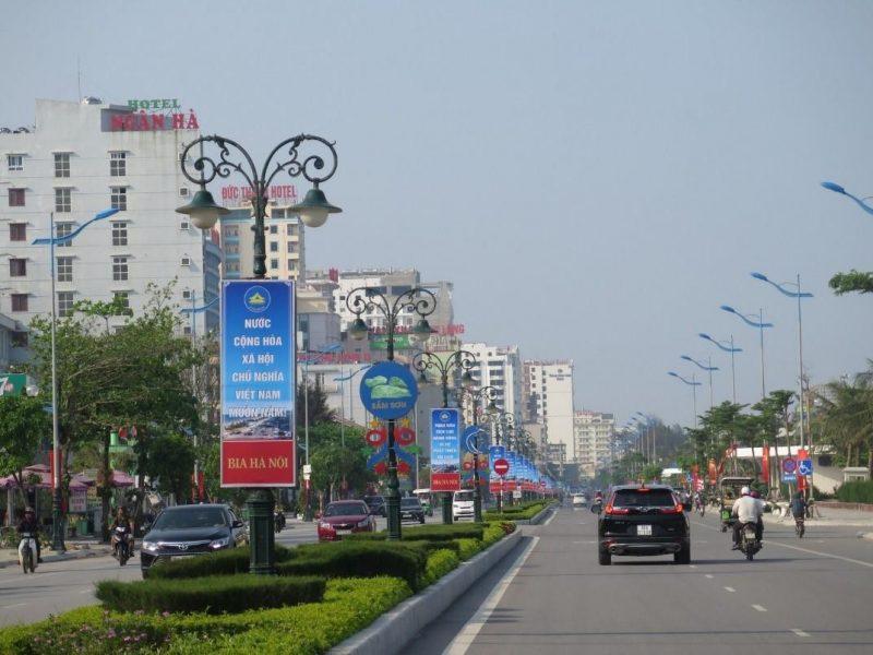 Khu vực đường Hồ Xuân Hương ven biển Sầm Sơn được hoàn thiện bài bản, khang trang