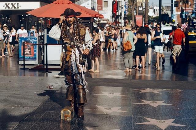 Đại lộ Danh vọng Hollywood đông đúc và nhộn nhịp (nguồn: Shutterstock)